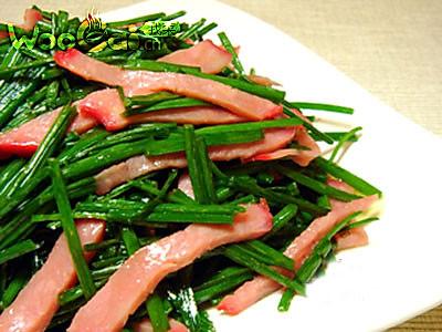 红肠炒韭菜的做法