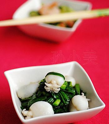 韭菜炒墨鱼的做法