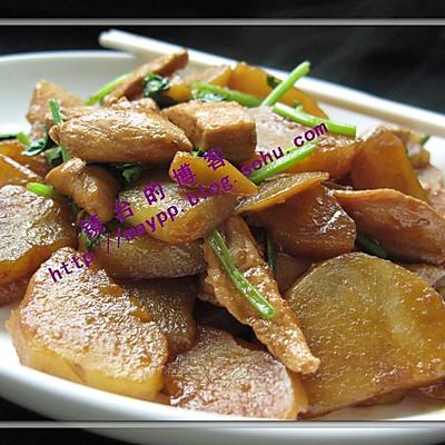 鸡脯肉烧土豆