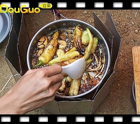 """户外小菜之""""虎皮煎椒""""─户外美食的做法"""