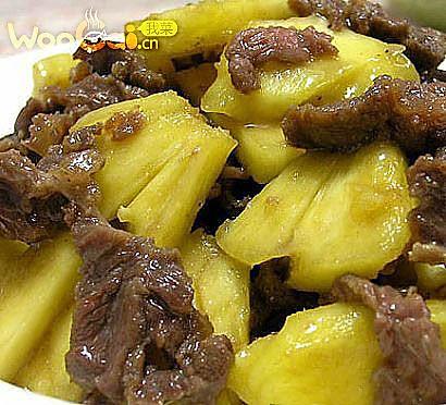 菠萝炒牛肉的做法