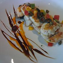 香煎鲈鱼配西红柿柠檬沙沙
