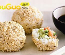 日式三文鱼米球的做法