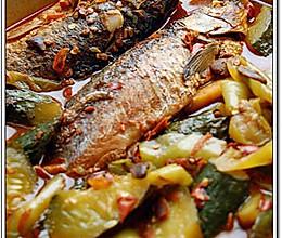 冷锅酱香鲫鱼焖黄瓜的做法