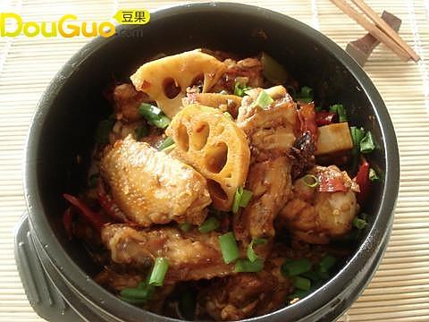 麻辣鸡翅炒鲜藕的做法