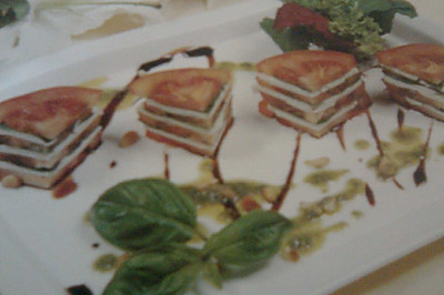 Tomato   cheese    salad