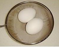 溏心花雕醉蛋的做法图解3