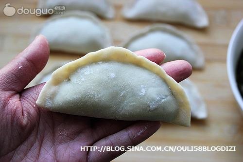 包饺子的步骤_家常饺子怎么做_家常饺子的做法视频_笛子_豆果美食