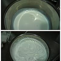 奶油玫瑰花的做法图解3