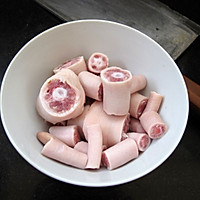 最优质的丰胸材料:海花烧猪尾的做法图解1