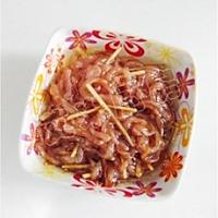 青椒肉丝的做法图解1