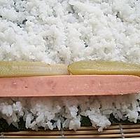 酸黄瓜寿司的做法图解5