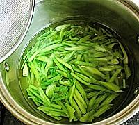 芹菜炒腰花的做法图解11