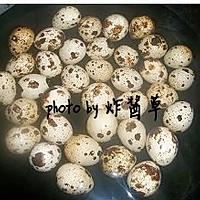 卤五香鹌鹑蛋的做法图解1
