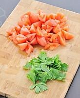西红柿鸡蛋疙瘩汤的做法图解2