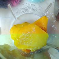 10分钟快手甜品——芒果冰激凌的做法图解1