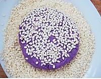 香煎芝麻紫薯饼的做法图解3