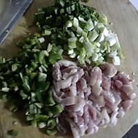 回锅肉炒饭的做法图解1