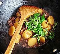 经典家常菜---排骨烧土豆的做法图解11