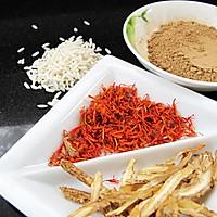 女人血虚月经失调的食疗粥:丹归红花糯米粥的做法图解1