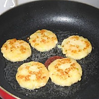 香煎土豆虾仁饼的做法图解15