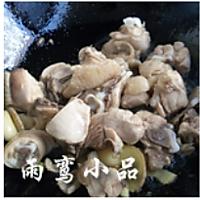 嫩笋烧鸡的做法图解4