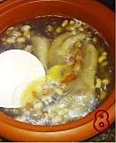 花生眉豆煲鸡脚的做法图解8