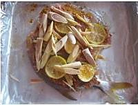 香茅酱烤鲳鱼的做法图解2