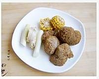 猴头菇玉米排骨汤的做法图解2