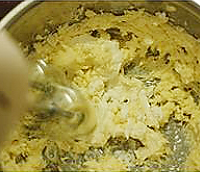 香蕉芝麻蛋糕卷的做法图解9