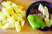 牛肉炖土豆的做法图解2