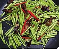 芦蒿炒腊肉的做法图解8