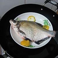 【猫记私房菜】猫老大的清真柠檬鳊鱼的做法图解3