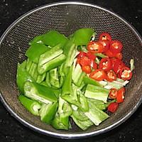 榨菜辣椒炒肉的做法图解2