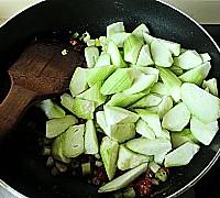 剁椒丝瓜炒鸡蛋的做法图解6