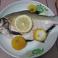 【猫记私房菜】猫老大的清真柠檬鳊鱼的做法图解1