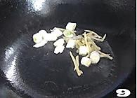 菌菇烩驼筋的做法图解9