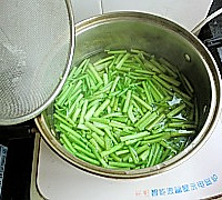 芹菜炒猪肝的做法图解4