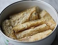 豆腐皮蟹肉卷的做法图解2